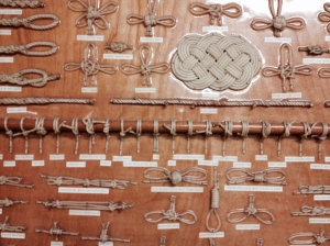 Various knots exhibit.